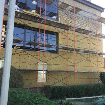 Наши работы по мокрому фасаду с утеплением. Коттеджи и магазины
